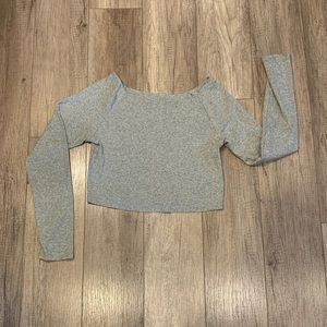 Long sleeve Gray crop top